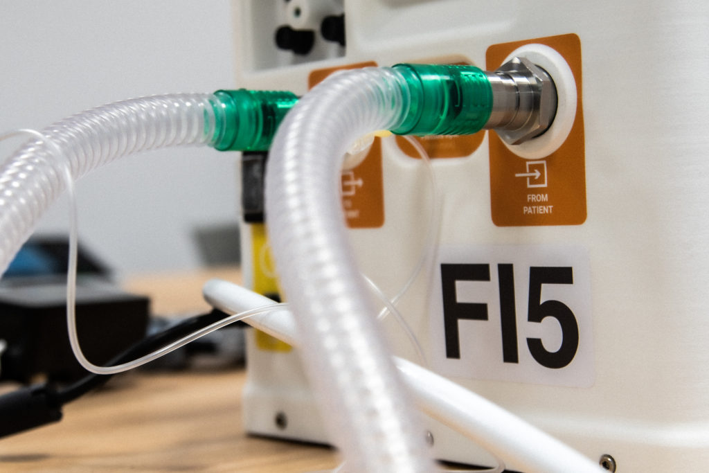 """FI5, il ventilatore polmonare """"low cost"""" di Ferrari e Istituto Italiano di Tecnologia"""